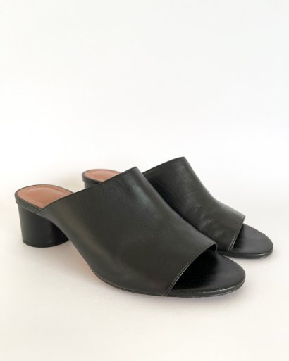 Sandália tacão largo